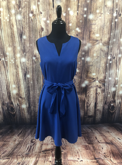 bluedressmannequin